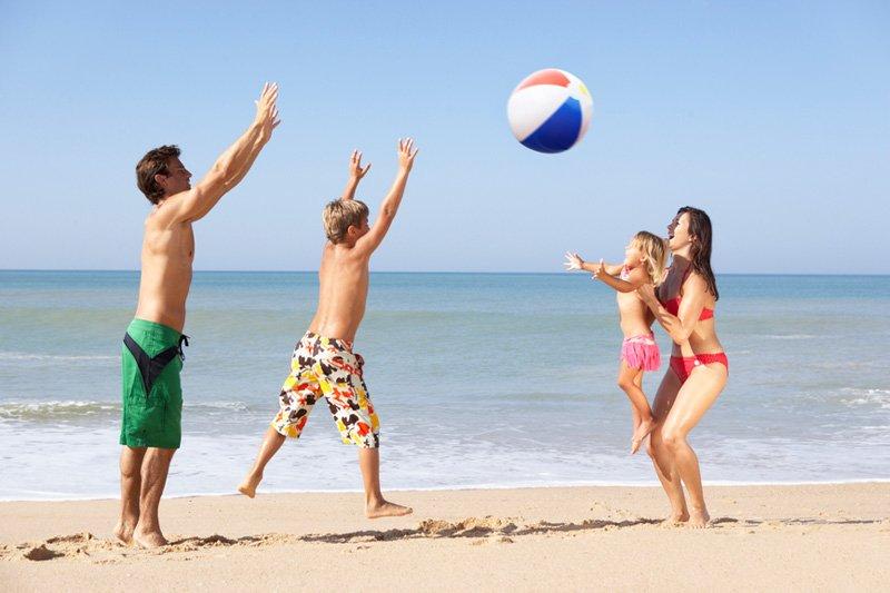 игры на пляже с мячом
