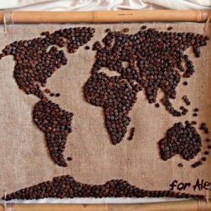 карта мира из кофе