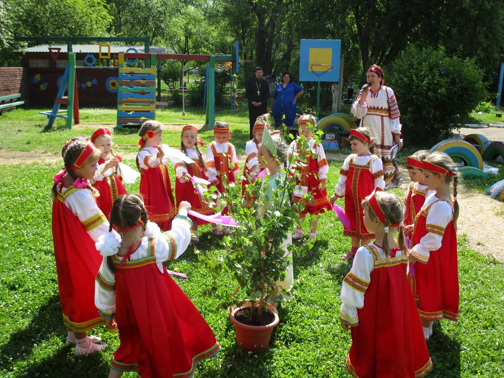 Праздник Троица для детей: лучшие поделки и игры