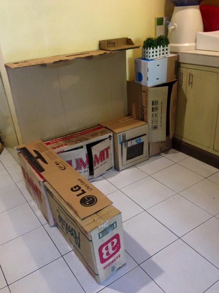 получилась кухня из картона для ребенка своими руками
