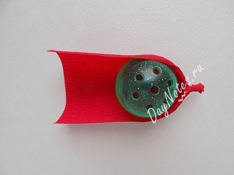 сделать простой цветок из гофрированной бумаги
