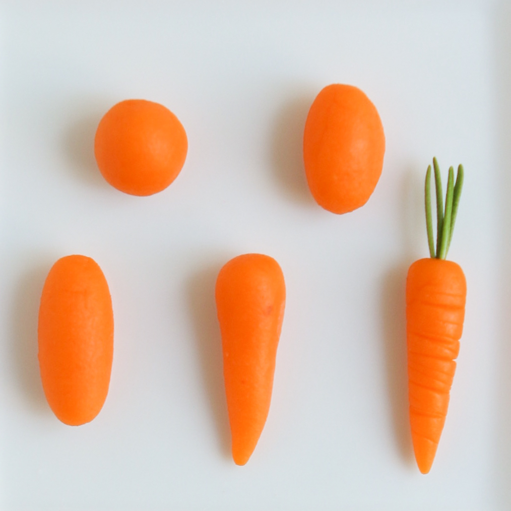 морковка из пластилина