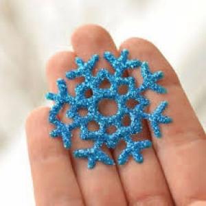 снежинки из ПВА