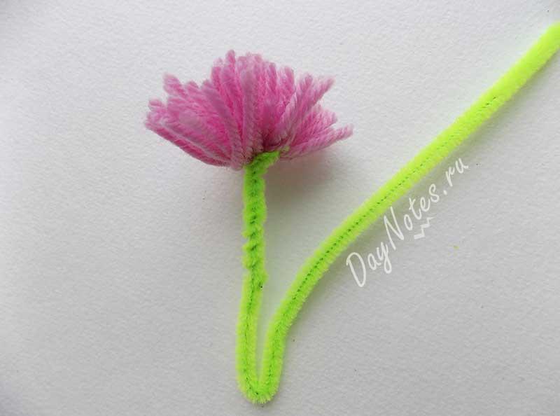 Цветы из ниток пряжи — красивые и простые для детей и взрослых